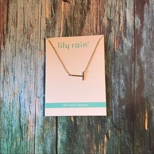 Lily Rain Slant Necklace